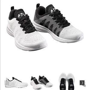 APL techloom pro in white/black